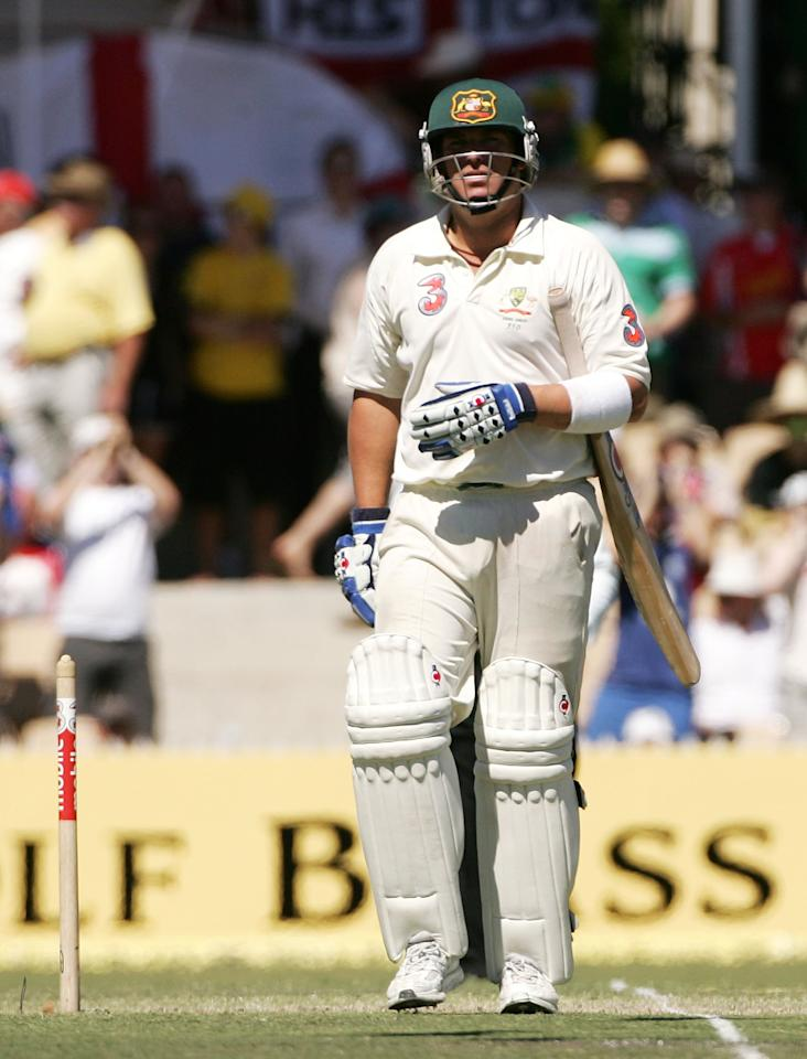 ADELAIDE, AUSTRALIA - DECEMBER 04:  Shane Warne of Australia makes his way back to the pavillion having been dismissed by Matthew Hoggard of England during day four of the second Ashes Test Match between Australia and England at the Adelaide Oval on December 4, 2006 in Adelaide, Australia.  (Photo by Hamish Blair/Getty Images)