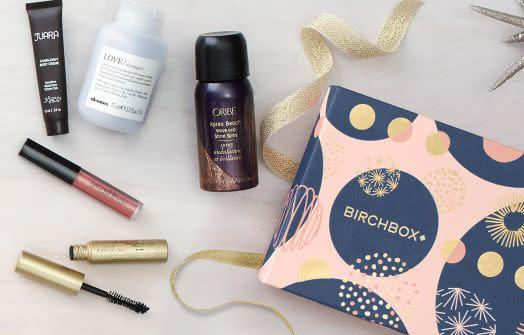 Get10 percent off for orders $30 or more, 15 percent off for orders $50 or more, and 25 percent off for orders $75 or more <span>on everything at Birchbox</span>, includingfull-size products, limited-edition boxes and kits, and subscriptions.