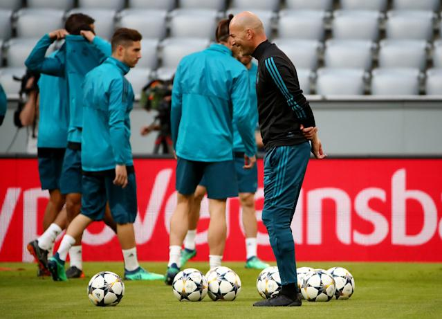Soccer Football - Champions League - Real Madrid Training - Allianz Arena, Munich, Germany - April 24, 2018 Real Madrid coach Zinedine Zidane during training REUTERS/Michael Dalder