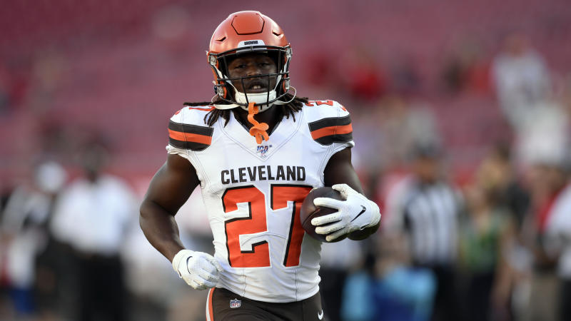 Cleveland Browns running back Kareem Hunt will start serving his eight-game suspension Saturday. (AP)