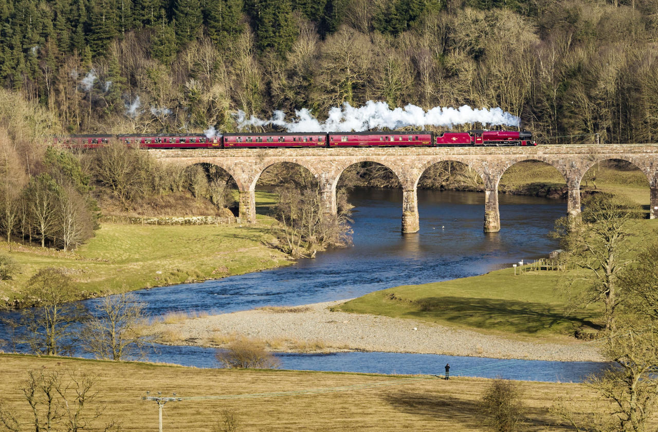 <p>The LMS Jubilee Class 6MT 4-6-0 no 45699 Galatea locomotive crosses the Eden Lacy Viaduct at Little Salkeld in Cumbria. (Danny Lawson/PA Archive) </p>