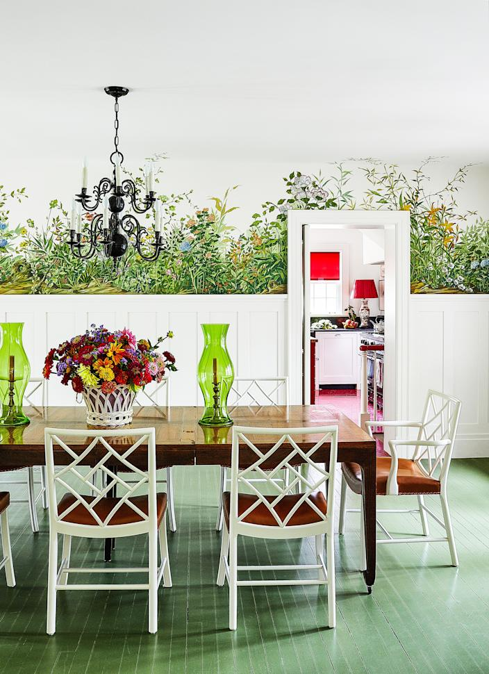 """<div class=""""caption""""> An 18th-century Dutch chandelier hangs over the vintage Michael Taylor for Baker table and vintage chairs. Hurricanes by <a href=""""https://krbnyc.com/"""" rel=""""nofollow noopener"""" target=""""_blank"""" data-ylk=""""slk:KRB"""" class=""""link rapid-noclick-resp"""">KRB</a>. </div>"""