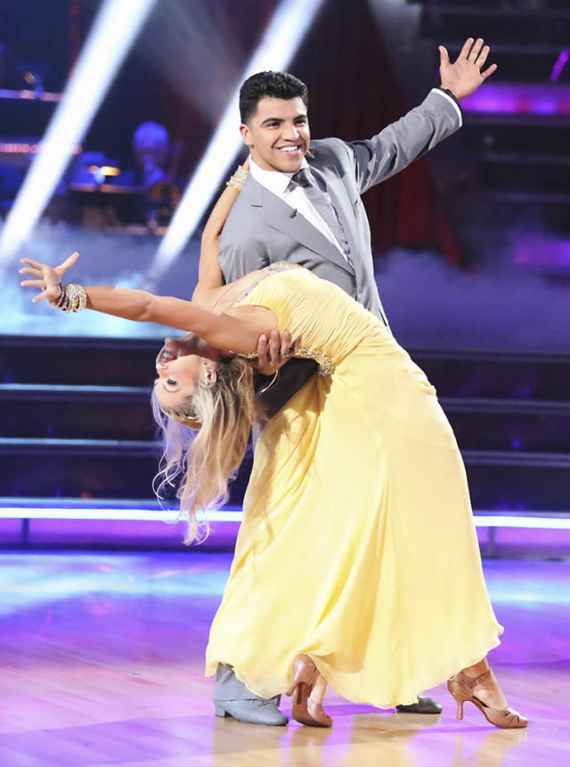 """Lindsay Arnold and Victor Oritz perform on """"Dancing With the Stars."""""""