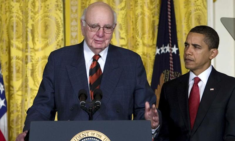 Barack Obama introducing the economic recovery advisory board with Paul Volcker