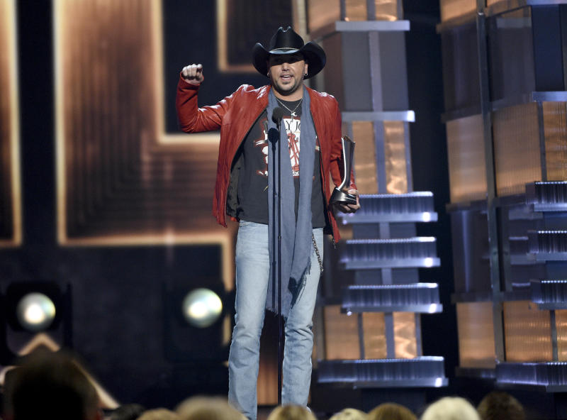 Jason Aldean accepts the award for entertainer of the year at the 52nd annual Academy of Country Music Awards at the T-Mobile Arena on Sunday, April 2, 2017, in Las Vegas. (Photo by Chris Pizzello/Invision/AP)