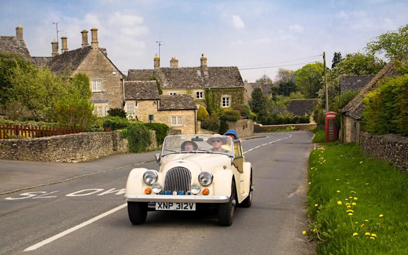 Bilbury, in the Cotswolds, would benefit from improvements to the A417 - 4CORNERS IMAGES