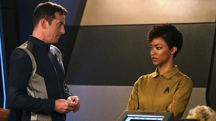 """Star Trek: Discovery -- CBS TV Series, THURSDAY, OCT. 8 (10:00-11:00 PM, ET/PT) """"Context is for Kings"""" (Original CBS All Access Airdate 10/1/17.) Burnham (Sonequa Martin-Green) finds herself aboard the U.S.S. Discovery where she quickly realizes things are not as they seem, including the mysterious Captain Gabriel Lorca (Jason Isaacs). """"Context Is for Kings"""" -- Episode #103 -- Episodic coverage of the CBS All Access series STAR TREK: DISCOVERY. Pictured (l-r): Jason Isaacs as Captain Gabriel Lorca; Sonequa Martin-Green as First Officer Michael Burnham. Photo Cr: Jan Thijs/CBS © 2017 CBS Interactive. All Rights Reserved. Jason Isaacs and Sonequa Martin-Green in """"Star Trek: Discovery"""" on CBS."""