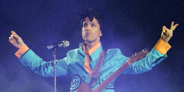 """Prince's 2007 Super Bowl halftime show, which included him singing """"Purple Rain"""" in the rain, is ranked by many to be the best of all time. (Photo: AP Images)."""