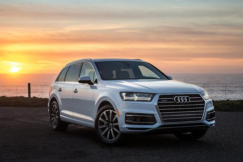 Lightweight construction allows Audi to offer the Q7 with a frugal turbo four