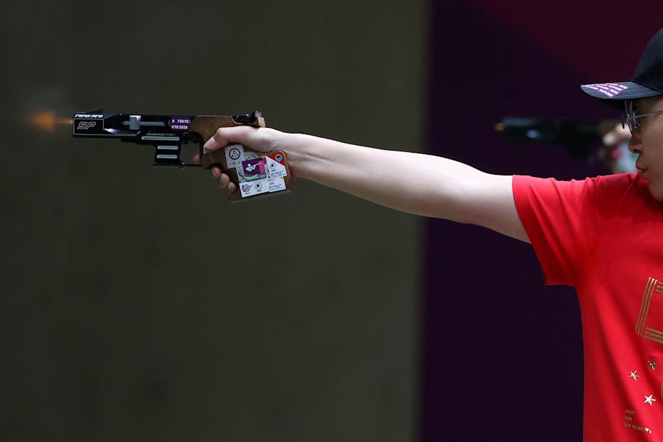 <p>ASAKA, JAPAN - AUGUST 02: Yuehong Li of Team China competes in 25m Rapid Fire Pistol Men's Finals on day ten of the Tokyo 2020 Olympic Games at Asaka Shooting Range on August 02, 2021 in Asaka, Saitama, Japan. (Photo by Kevin C. Cox/Getty Images)</p>