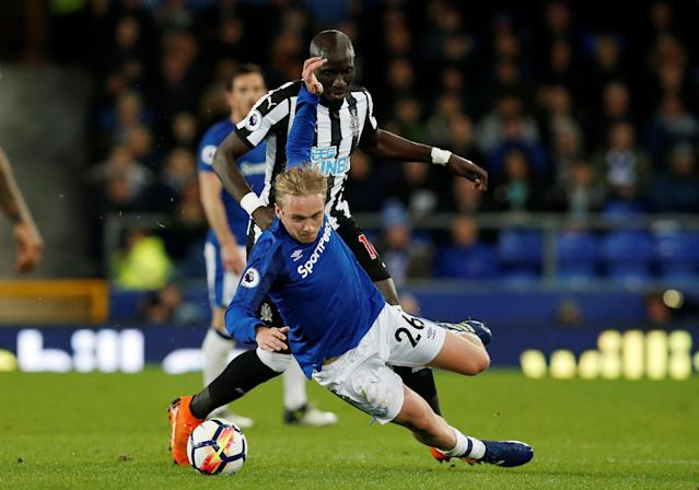 "Soccer Football - Premier League - Everton v Newcastle United - Goodison Park, Liverpool, Britain - April 23, 2018 Everton's Tom Davies in action with Newcastle United's Mohamed Diame REUTERS/Andrew Yates EDITORIAL USE ONLY. No use with unauthorized audio, video, data, fixture lists, club/league logos or ""live"" services. Online in-match use limited to 75 images, no video emulation. No use in betting, games or single club/league/player publications. Please contact your account representative for further details."