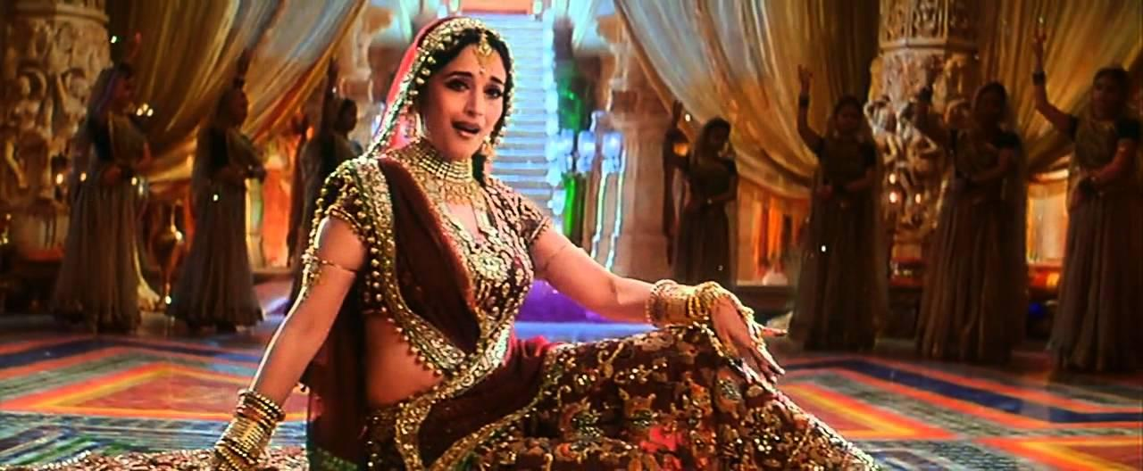 Sanjay Leela Bhansali is known for creating larger than life cinema, so it didn't really came as a surprise that he invested enormously in one of his epic movies - Davdass. Neeta Lulla was given the charge of costume and we all are convinced that she did a spectacular job of dressing up Madhuri Dixit in the most majestic manner imaginable for her mujra performances. Each of her costumes were over 15 lacs.