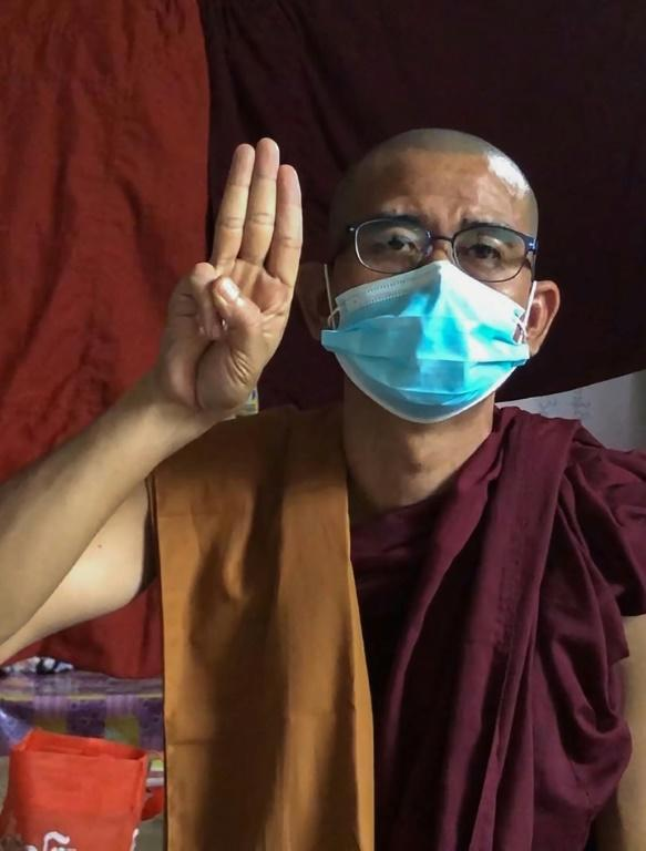 Shwe Ohh Sayardaw is currently moving between different monasteries in an effort to evade arrest