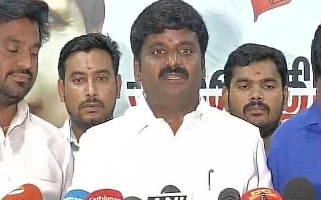 Tamil Nadu: Health minister attacks OPS for raising doubts over Amma's death, calls him mentally sick