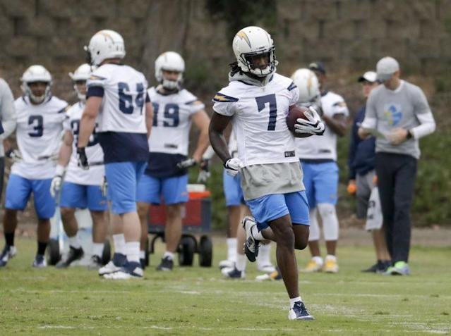 Mike Williams (7) is dealing with a back injury that might require season-ending surgery. (AP)