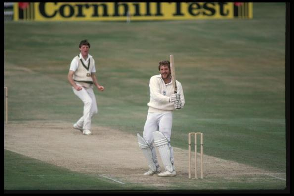 Jul 1981:  Ian Botham hooks Geoff Lawson of Australia for 4 during his magnificent 149 not out in the Historic 3rd Test at Headingley where England defied odds of 500-1 to win, largely thanks to the efforts of Botham.  It was Botham's first match since being stripped of the captaincy.                                                                                           Mandatory Credit: Adrian Murrell/Allsport UK