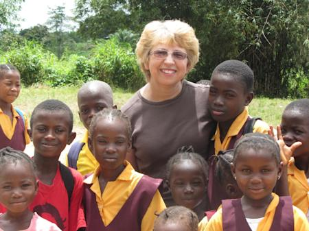 Nancy Writebol with children in Liberia in 2013. (AP Photo/Courtesy Jeremy Writebol)