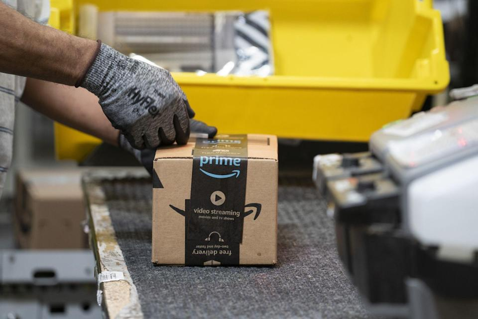 Amazon Says Almost 20,000 Workers Had Covid-19 in 6 Months