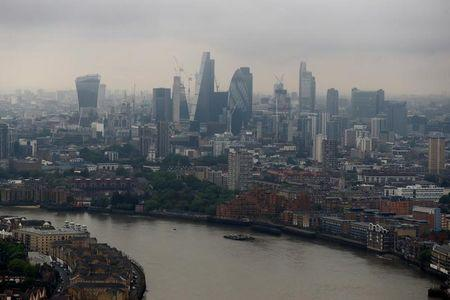 La UE quiere construir una alternativa a Londres para el mercado de capitales