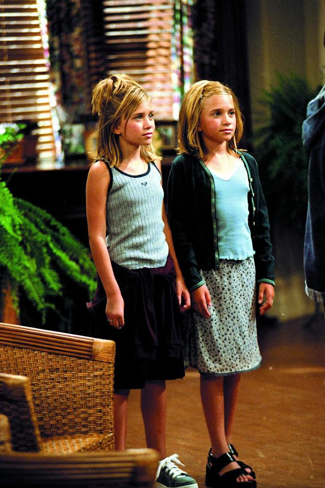 <p>In 'Two of a Kind' the twins also gave us a hint of the matching skirt and tank top style we didn't know we needed. (Photo: Everett Collection) </p>