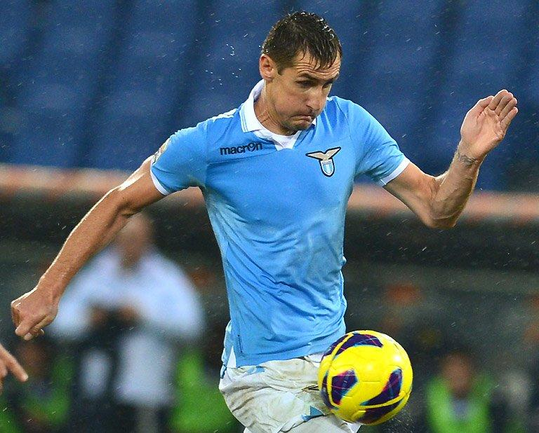 Lazio's Miroslav Klose controls the ball during a Serie A match against AS Roma on November 11, 2012