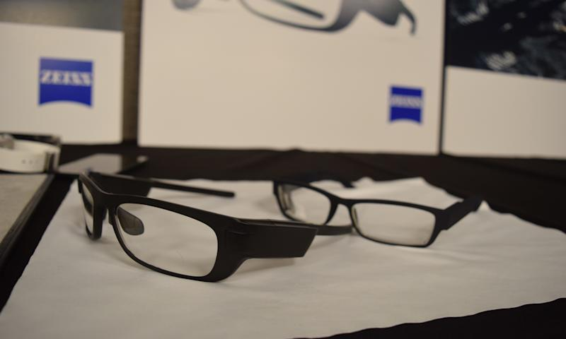 Carl Zeiss Smart Glasses Won't Make You Look Like A Glasshole