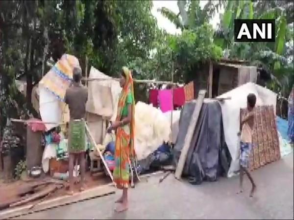 Villagers take refuge in makeshift shelters on roadsides. (Photo/ANI)