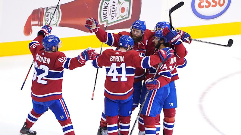 TORONTO, ONTARIO - AUGUST 07: Shea Weber #6 of the Montreal Canadiens is congratulated by teammates after he scored an empty net goal in the third period against the Pittsburgh Penguins in Game Four of the Eastern Conference Qualification Round prior to the 2020 NHL Stanley Cup Playoffs at Scotiabank Arena on August 07, 2020 in Toronto, Ontario. (Photo by Andre Ringuette/Freestyle Photo/Getty Images)