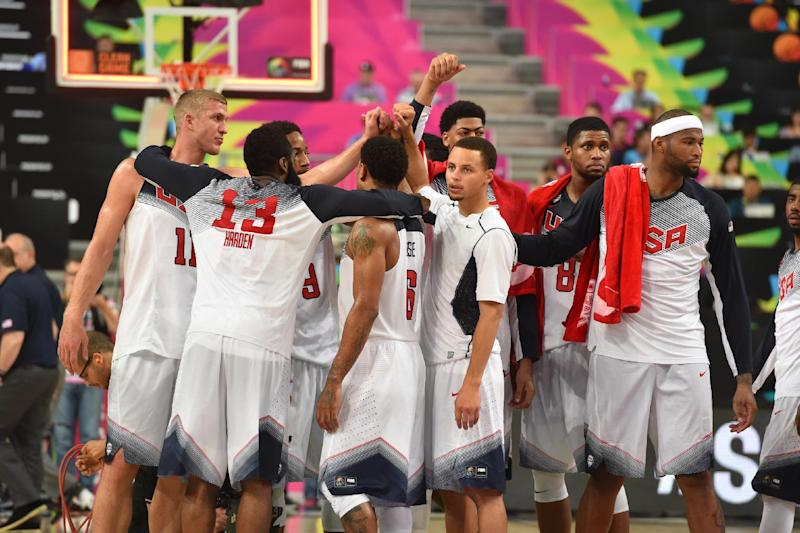 Curry's 6 3s send US to basketball worlds quarters