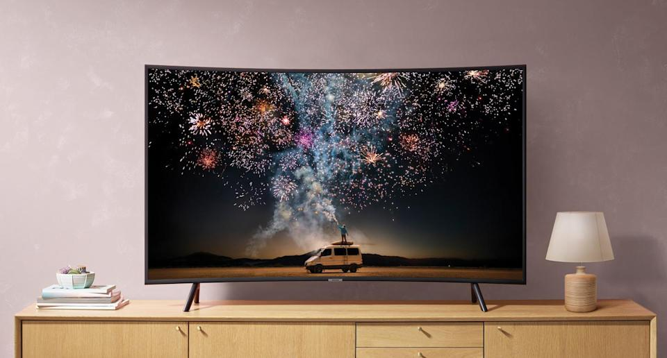 Get the Samsung 55-inch Class Curved Smart 4K UHD TV RU7300 for just $498. (Photo: Samsung)