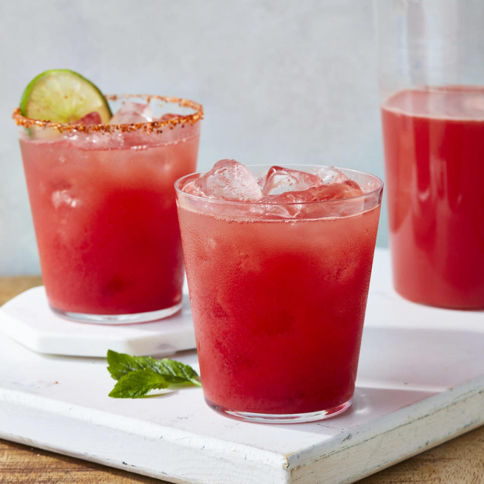 <p>Clean and simple, it just takes a blender to whip up this DIY watermelon juice. You can enjoy this refreshing drink with no added sugar on its own, or jazz it up with one of our variations (see below).</p>