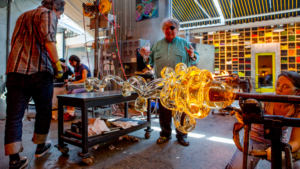 Dale Chihuly at work. Photo: Chihuly.com