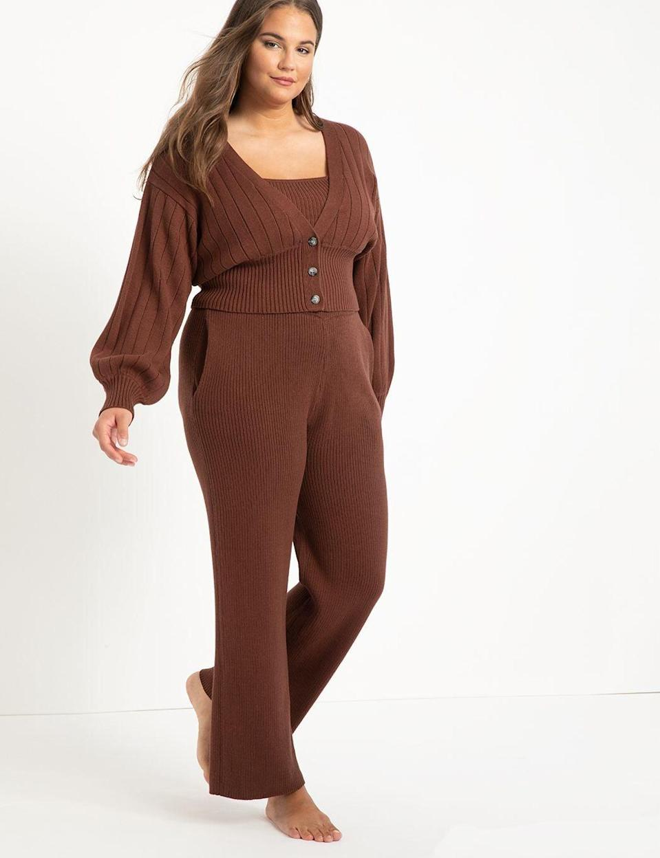 """<h2>Eloquii Wide Leg Knit Pants</h2><br>Want to look cute while getting just as much comfort as you would in your pajamas? We recommend a 100% cotton matching set, like this getup from Eloquii. The knit pants and the elastic pull-on waist are just the cherries on top of looking extra chic as you turn the airplane's aisle into your own personal runway. <br><br><em>Shop <strong><a href=""""https://www.eloquii.com/"""" rel=""""nofollow noopener"""" target=""""_blank"""" data-ylk=""""slk:Eloqui"""" class=""""link rapid-noclick-resp"""">Eloqui</a></strong></em><strong><a href=""""https://www.eloquii.com/"""" rel=""""nofollow noopener"""" target=""""_blank"""" data-ylk=""""slk:i"""" class=""""link rapid-noclick-resp""""><em>i</em></a></strong><br><br><strong>Eloquii</strong> Wide Leg Knit Pants, $, available at <a href=""""https://go.skimresources.com/?id=30283X879131&url=https%3A%2F%2Fwww.eloquii.com%2Fwide-leg-knit-pants%2F1175183.html%3Fdwvar_1175183_colorCode%3D21%26index%3D40%26item_list_id%3Dplp_category_page%26item_list_name%3DCategory%2520Page"""" rel=""""nofollow noopener"""" target=""""_blank"""" data-ylk=""""slk:Eloquii"""" class=""""link rapid-noclick-resp"""">Eloquii</a>"""