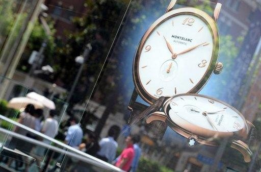 Analysts say China now accounts for about 40 percent of the global luxury goods market
