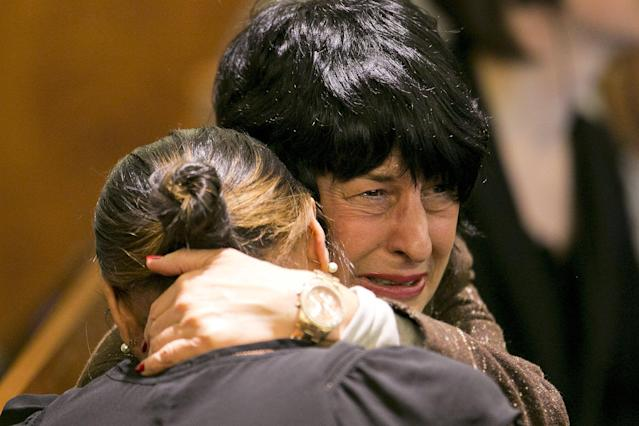 Terri Hernandez, mother of former NFL player Aaron Hernandez, reacts as the guilty verdict is read during her son's murder trial at the Bristol County Superior Court in Fall River, Massachusetts, April 15, 2015. Hernandez, 25, a former tight end for the New England Patriots, is convicted of fatally shooting semiprofessional football player Odin Lloyd in an industrial park near Hernandez's Massachusetts home in June 2013. REUTERS/Dominick Reuter TPX IMAGES OF THE DAY