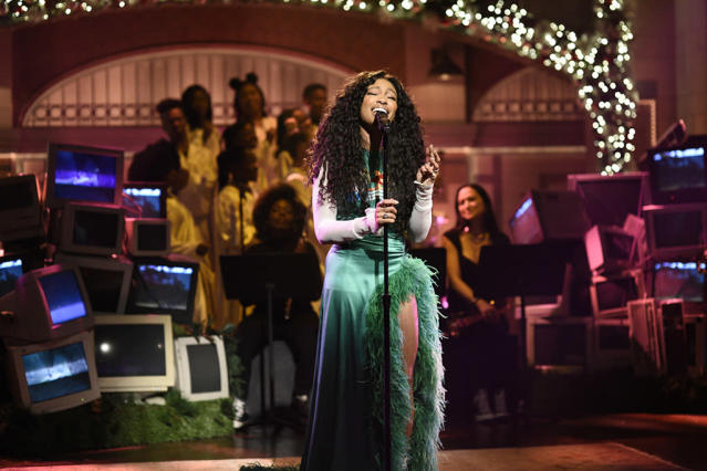 """<p>SZA was one of the hottest people in music this year. In 2017, she released her acclaimed debut album, <em>Ctrl</em>, scored five Grammy noms, and made an appearance on <em>SNL</em>. With hits such as """"The Weekend"""" and """"Love Galore,"""" which she released with Travis Scott, she made music that people, including Drew Barrymore, want to listen to. The <i>Wedding Singer</i> actress <a href=""""https://www.instagram.com/p/BPai2lTDSoI/?taken-by=drewbarrymore"""" rel=""""nofollow noopener"""" target=""""_blank"""" data-ylk=""""slk:bopped along"""" class=""""link rapid-noclick-resp"""">bopped along</a> on Instagram to a song SZA named after her. (Photo: Will Heath/NBC/NBCU Photo Bank via Getty Images) </p>"""