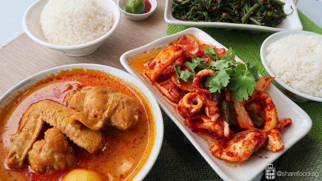Meal at currywok with curry chicken samabal sotong and fried kang kong with sambal belachan