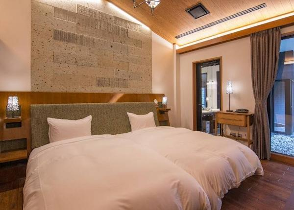 Guest rooms are beautified with ōya stones as well