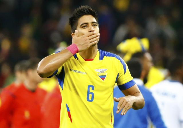 Ecuador's Cristian Noboa blows a kiss to fans after defeating Honduras in their 2014 World Cup Group E soccer match at the Baixada arena in Curitiba June 20, 2014. REUTERS/Stefano Rellandini (BRAZIL - Tags: SOCCER SPORT WORLD CUP)