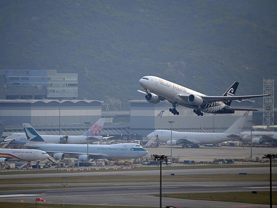 Air New Zealand weighs passengers every five years (Getty Images/iStockphoto)