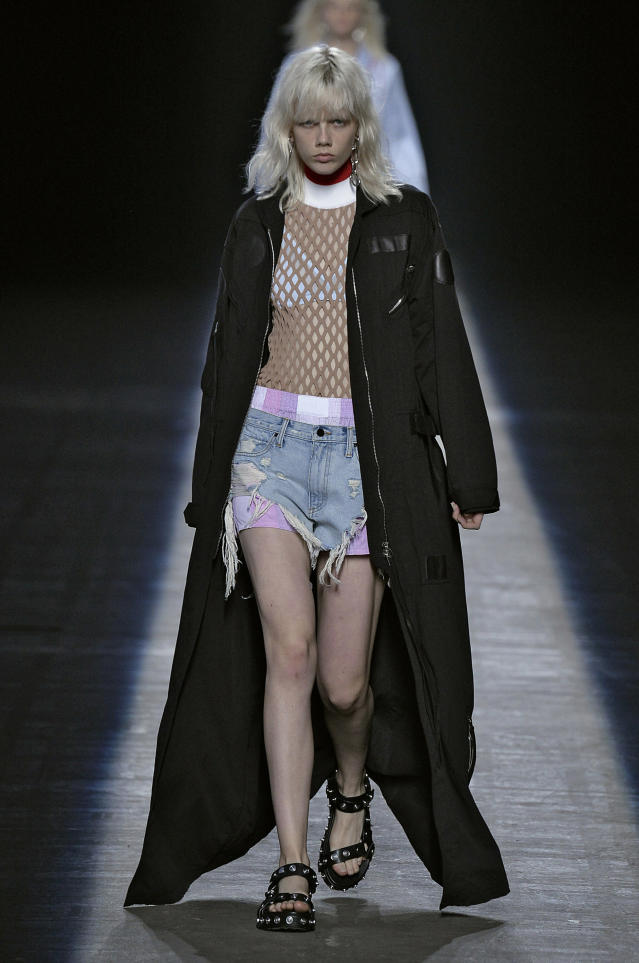 Alexander Wang Spring-Summer Collection 2016 at New York Fashion Week (Photo: Getty Images)