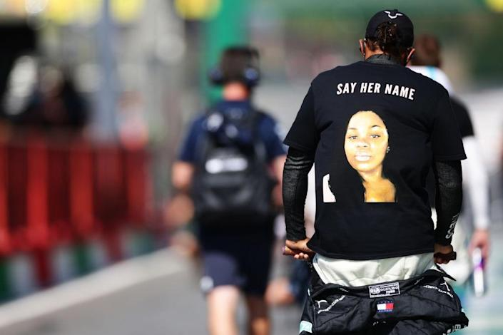 SCARPERIA, ITALY – SEPTEMBER 13: Lewis Hamilton of Great Britain and Mercedes GP is pictured wearing a shirt in tribute to the late Breonna Taylor before the F1 Grand Prix of Tuscany at Mugello Circuit on September 13, 2020 in Scarperia, Italy. (Photo by Peter Fox/Getty Images)