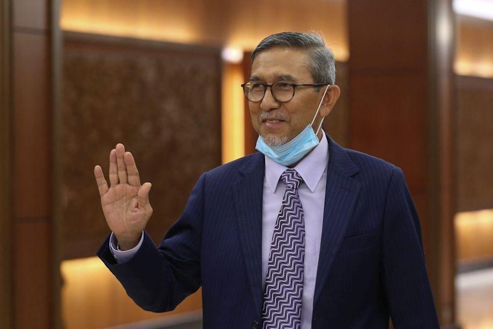 Mohd Rashid suggested that asking questions or raising suggestions during the sittings could also be considered debates. — Picture by Yusof Mat Isa