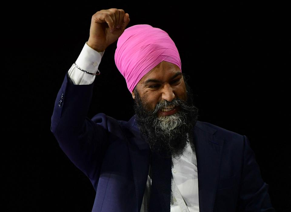The New Democratic Party (NDP) leader Jagmeet Singh, saves after talking to media once votes were counted in Canada's 44th general election in. Vancouver, British Columbia, Canada, September 20, 2021. - Canadians returned Liberal Prime Minister Justin Trudeau to power on September 20 in hotly contested elections against a rookie conservative leader, but he failed to gain an absolute majority, according to projections by television networks. (Photo by Don MacKinnon / AFP) (Photo by DON MACKINNON/AFP via Getty Images)