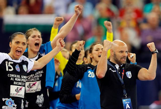 Members of the Romanian CSM Bucuresti celebrate after they score against Hungary's Gyori Audi ETO during the final of EHF Women's Champions League Final 4 handball in Budapest, Hungary, May 8, 2016. REUTERS/Laszlo Balogh