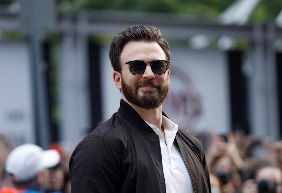 """Cast member Chris Evans arrives for the special presentation of """"Knives Out"""" at the Toronto International Film Festival (TIFF) in Toronto, Ontario, Canada September 7, 2019. REUTERS/Mario Anzuoni"""