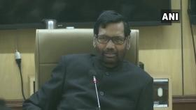 Government has imported 18,000 tons onion, making it available at Rs 22/kg for state govts: Ram Vilas Paswan