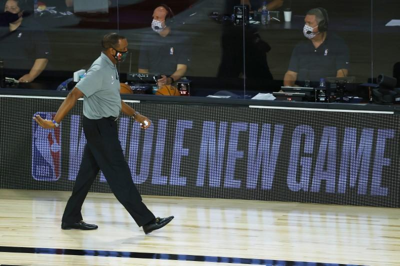 Pelicans fire Gentry after missing playoffs