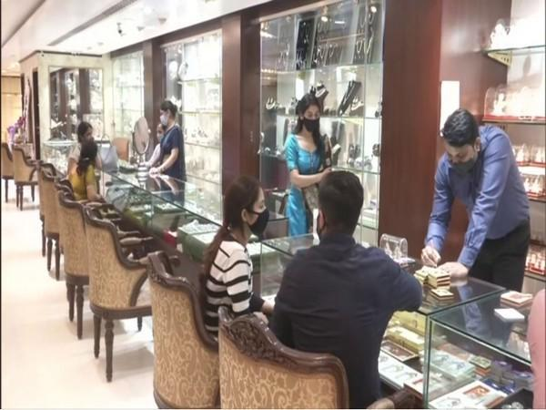 At a jewellery shop in Kanpur on Dhanteras. (Photo/ANI)