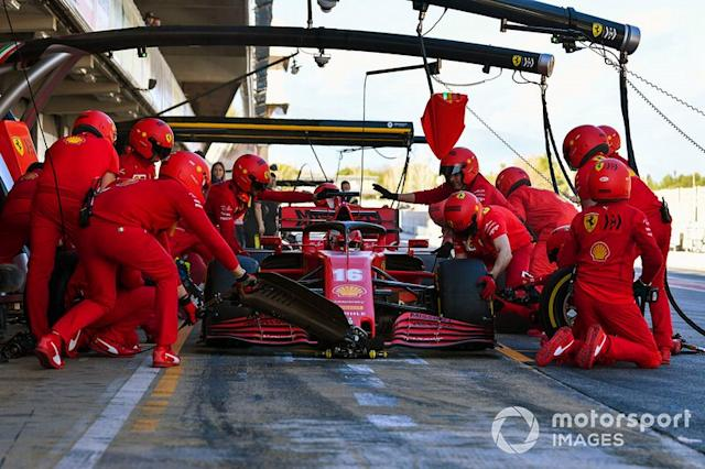 "Charles Leclerc, Ferrari SF1000, pit stop <span class=""copyright"">Mark Sutton / Motorsport Images</span>"